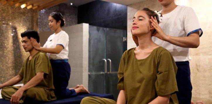 thai-massage-couple-11-2
