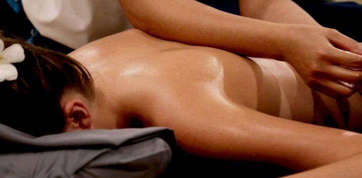 aroma-oil-massage-11-2